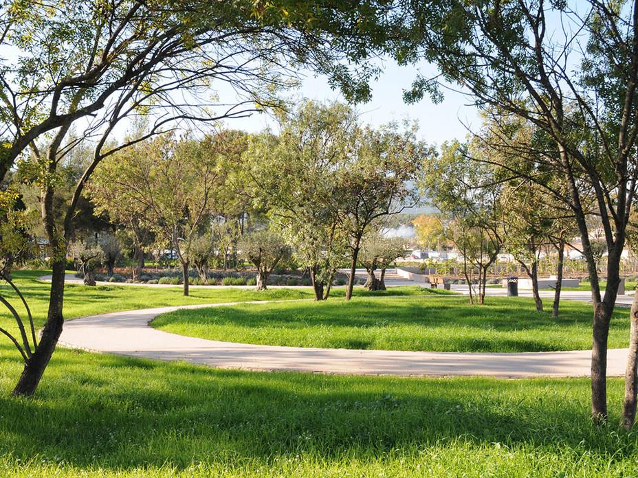 Parcs et jardins site officiel ville de la garde 83 for Entreprise parc et jardin